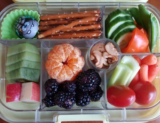 Yumbox3 with Anthony Thomas chocolate