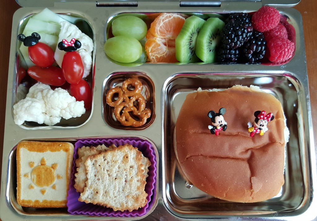 mickey_lunch