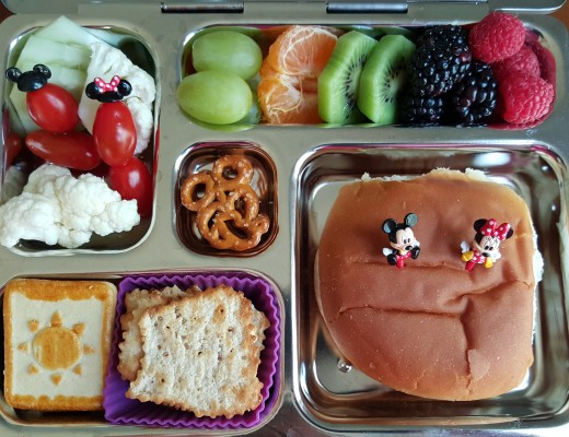 mickey_lunch